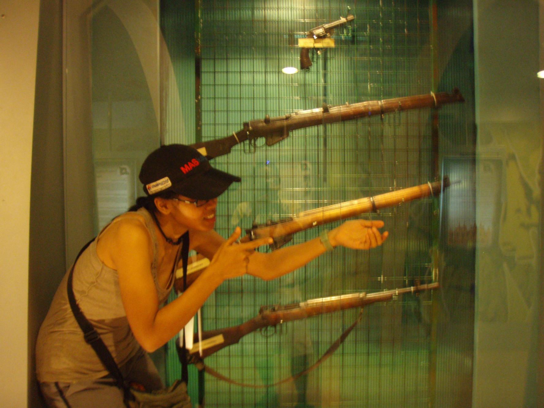 Musuh di hadapan..tembak bertubi-tubi!!!!