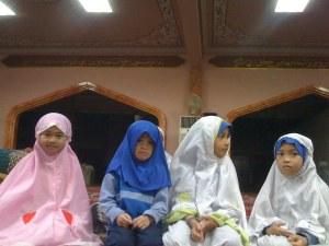 friendly najwa in the foto (left  most)