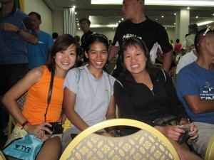 pretty ladies in a row. err...IronLadies?! michelle looi,missjewelz & teryn