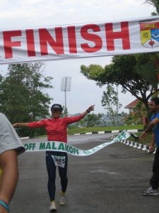 Finito ! At the finish line in MUDS 2008 at Universiti Kebangsaan Malaysia. I came in 2nd.