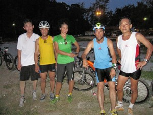 me and my Kuantan kakis after a short but tiring mtb session