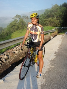 missJeweLz in her Powerbar cycling jersey. Pic taken during one of my Ironman training rides