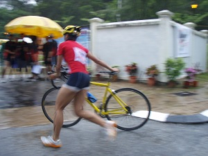 Port Dickson Triathlon 2007, my 2nd Sprint Tri. photographer manage to capture me arse during bike-run transition.