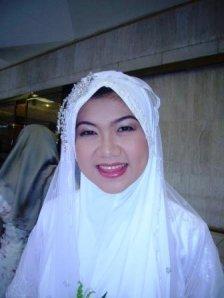 Pretty bride ! Congrats again dear ! May Allah Bless you !