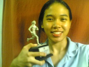 my 1st 10k trophy from the KRI 10k event in Ipoh..! I came in 5th I think. Don't ask me my time..i tak ingat !