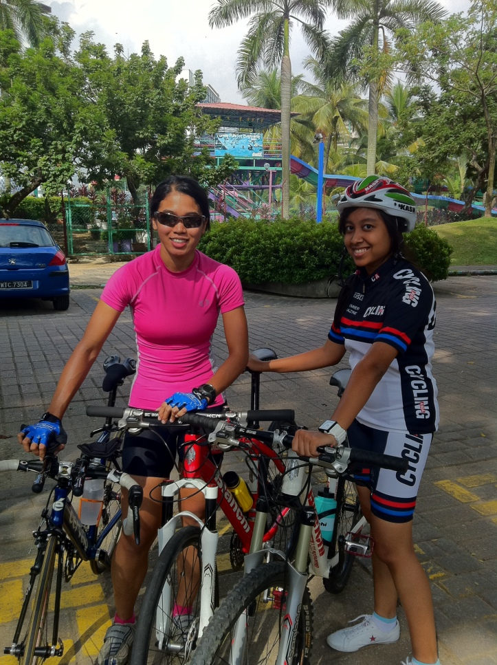 Juliana Ali and Intan Sofia Fadzila (Cycling Asia)