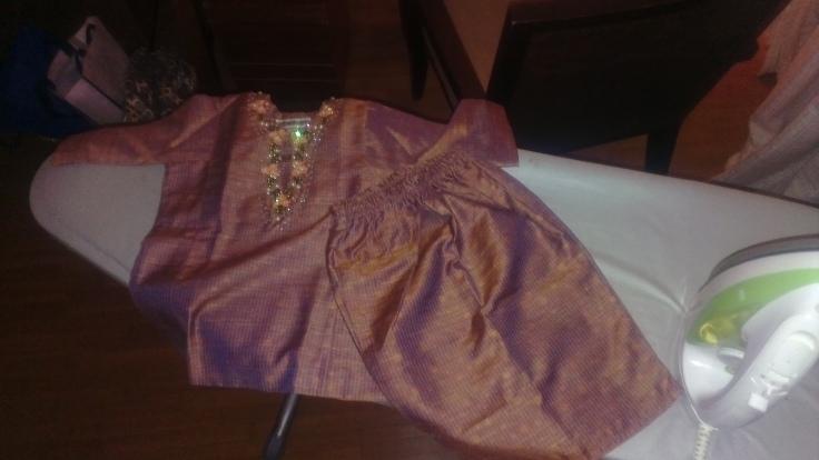 iron-baby-baju-iron-baju-baby :) her first baju kurung raya
