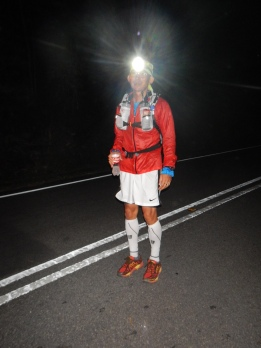 Titi 100km runner posing for missjewelz. Two thumbs up for sporting spirit, and another 1 up for the Bright headlight !!!! Congratulations to all who took part in the 50km and 100km !