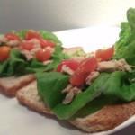 Tuna sandwich with tomatoes