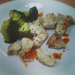 Chicken breast, broccoli and sauce !