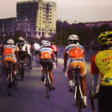 CYCLING IN PACKS (coz its cool)